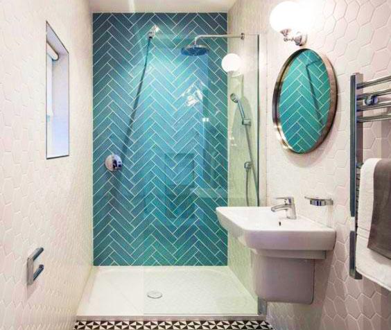 Pour louer plus cher, propose une salle de bain moderne avec douche à l'italienne.