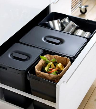 Les poubelles Ikea Variera 22L sont compatibles avec les grands tiroirs Leroy Merlin