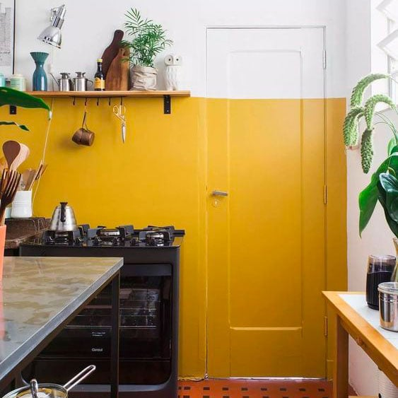 Colorier en dehors de cases pour créer une décoration unique pour ta location courte durée