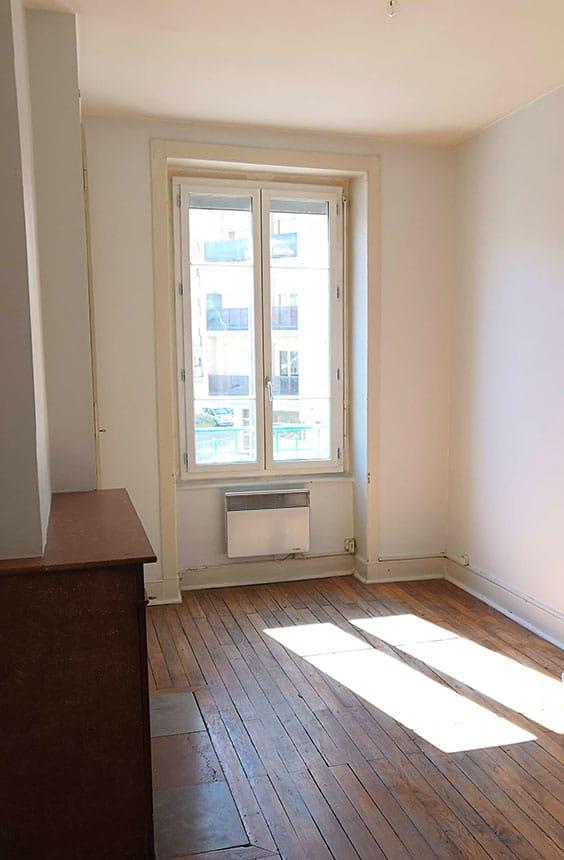 Chambre avant de décorer l'appartement