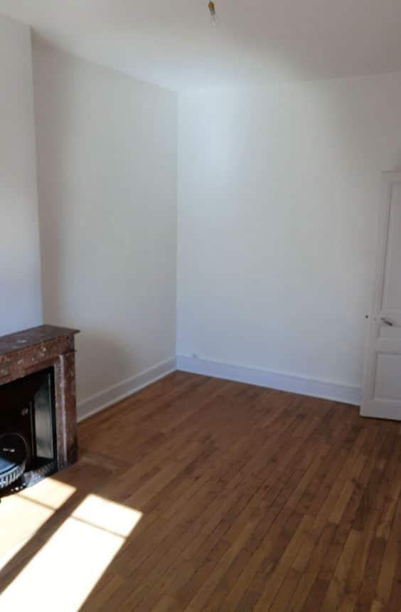 Salon avant de décorer l'appartement